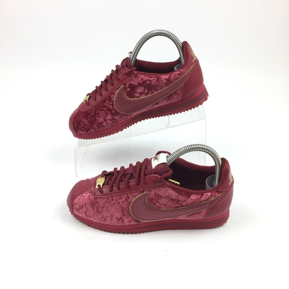free shipping 6633f 9a19f Nike Classic Cortez SE Womens Shoes Red Crush Gold